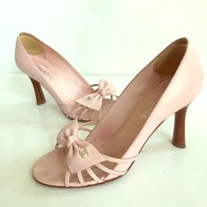 Chanel pink bow heels size 38.5